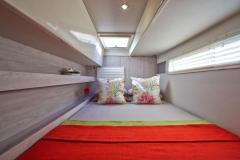 L40 SB forward cabin