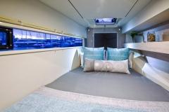 L40 PS forward cabin w. forepeak child berth