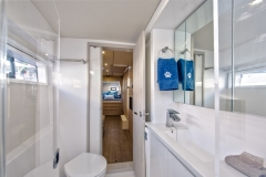 L40 SB Owners head and shower