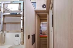 L40 SB Charter - Isle and forward cabin